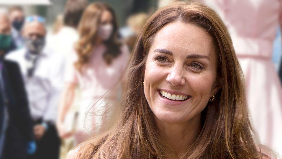 In ihrem Wimbledon-Look ist sie das Ebenbild von Prinzessin Diana