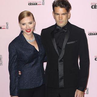 Im Hochzeits- und Babyglück: Filmstar Scarlett Johansson und der scheue Journalist Romain Dauriac