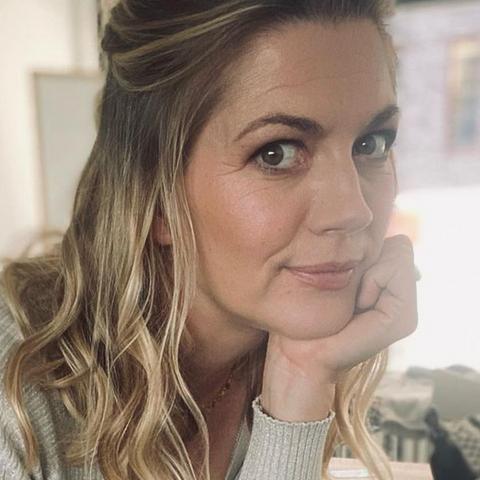"Ex-GZSZ-Star Nina Bott: Fauxpas beim Frisör! ""Bin ganz schön pink geworden"""