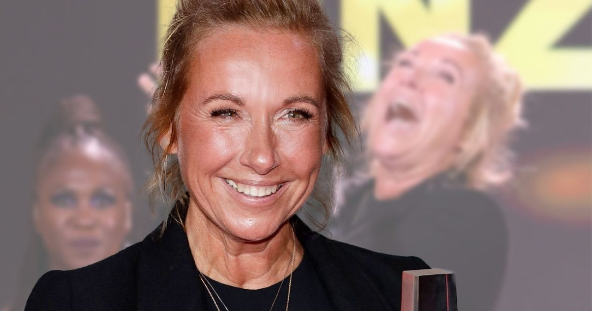 ZDF-Fernsehgarten-Star Andrea Kiewel: Lässiger Red-Carpet-Chic! Mit Boots & Messy-Bun zum Fernsehpreis