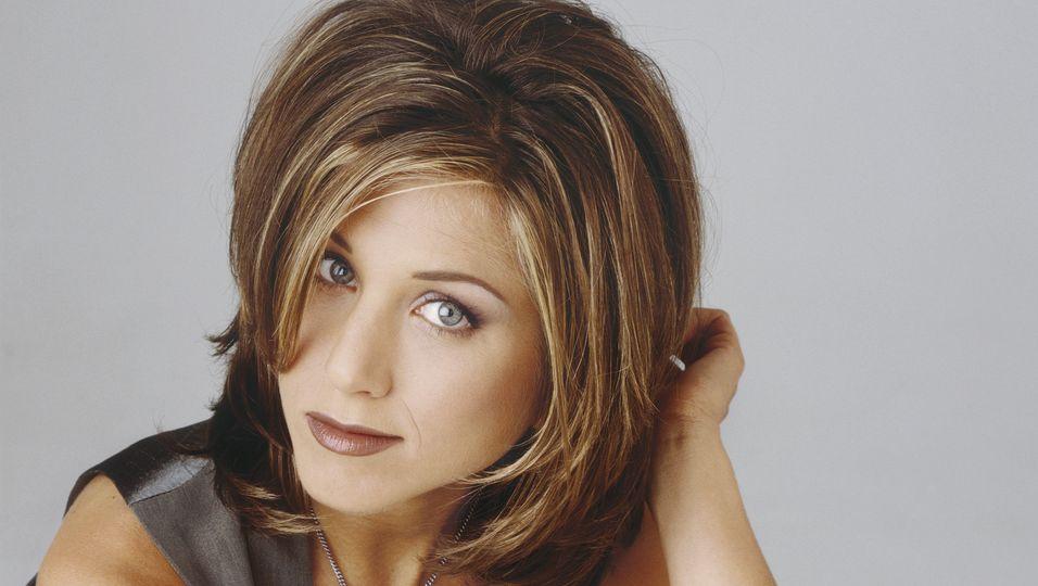 """Die """"Rachel""""-Frisur gelingt dir mit diesen Tools"""