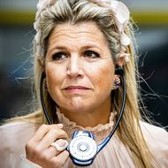 Máxima der Niederlande: Im zartrosa Zuckerwatten-Look – doch ihre Hand gibt Grund zur Sorge