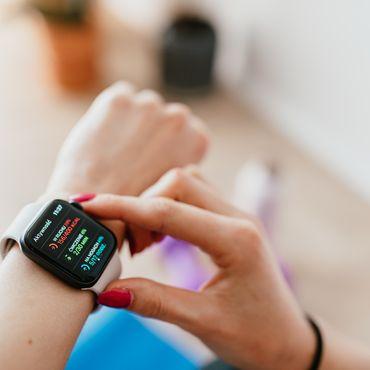 Smartwatches erleichtern das Fitnesstraining.