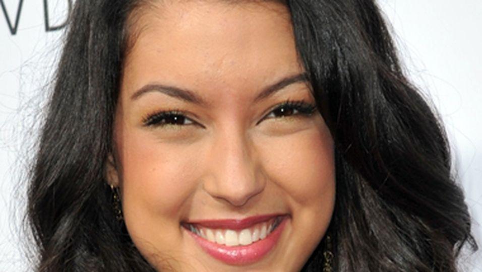 Rebecca Mir, newsline