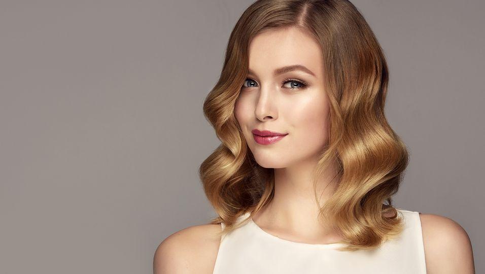 Mit diesem Trick sieht deine Haarfarbe aus, als kämst du frisch vom Friseur