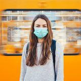 Wie viele Deutsche wollen auch nach der Pandemie noch Maske tragen?