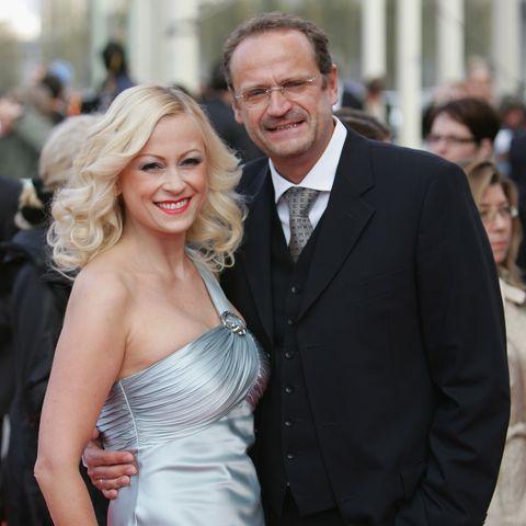 Das einstige Traumpaar der deutschen Showbranche ist getrennt. Goetz Elbertzhagen und Jenny Elvers lassen sich scheiden.