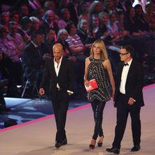Heidi Klum bei den Finalen von GNTM Schräg, sexy oder wunderschön?