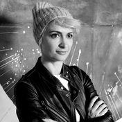 Halyna Hutchins (†42): Unfall am Set: Stars nehmen Abschied von verstorbener Kamerafrau