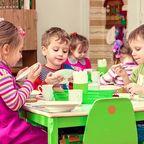 Kita-Mittagessen-Kinder