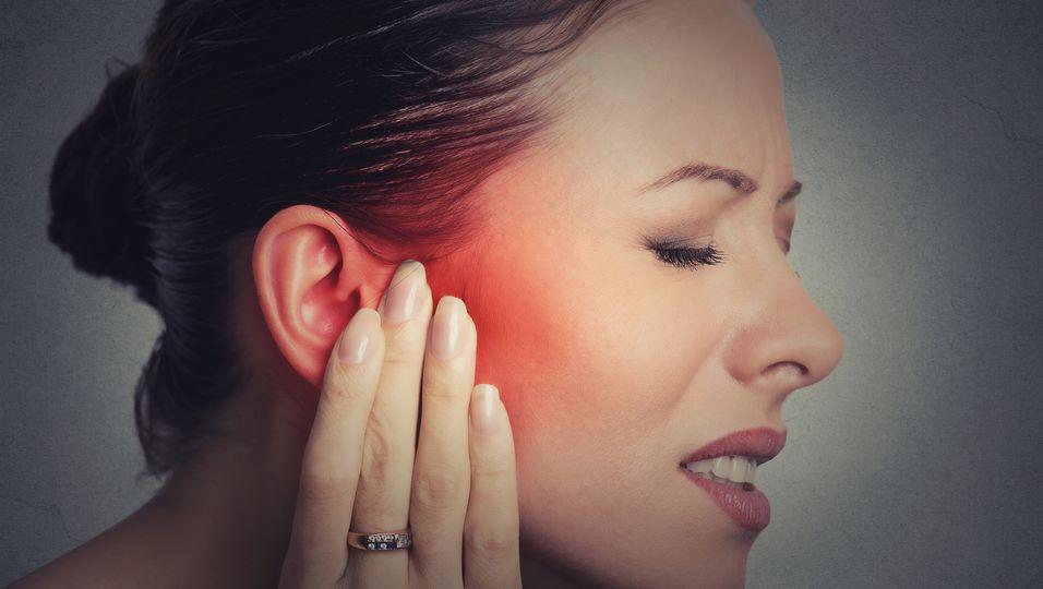 tinnitus-istock-671823518.jpg