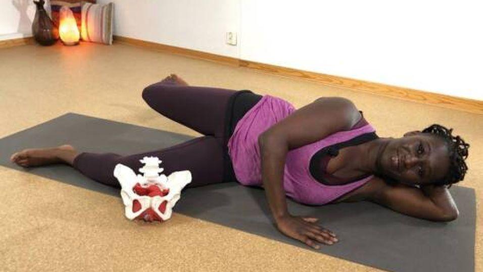 Pilates nach der Schwangerschaft: 16 Minuten sanftes Beckenboden-Training mit Juliana
