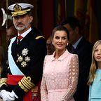 Skandale & Intrigen: Wie ein stiller König mühsam die Monarchie renovierte