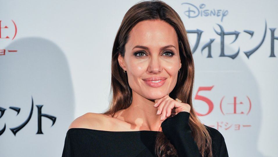Angelina Jolie   Darum lud sie ihren Vater nicht zur Hochzeit ein