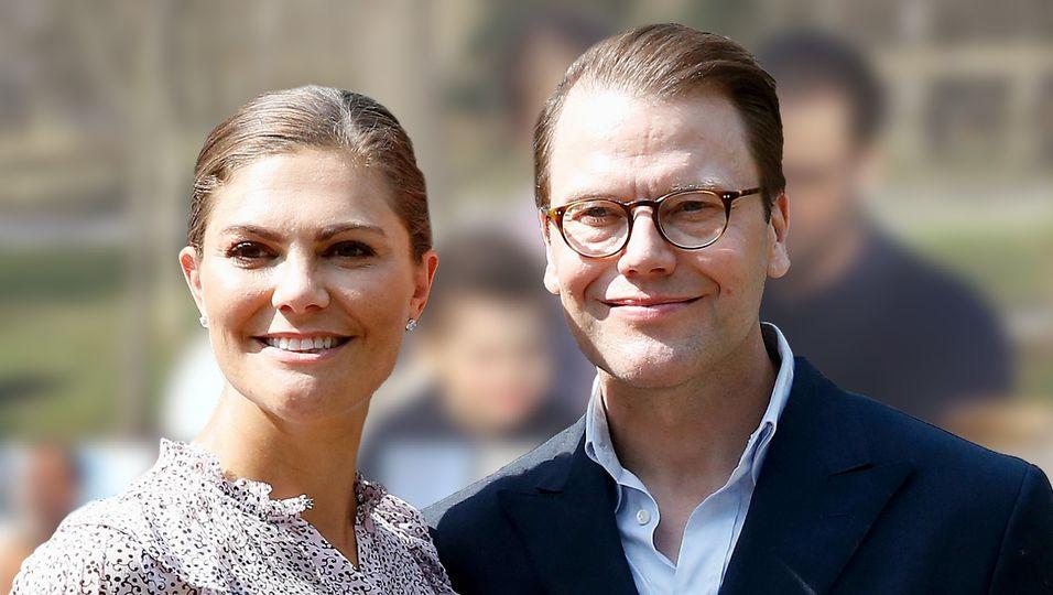 """Mit Eltern, Geschwistern, Neffen & Nichten - bei diesem """"Osterfest"""" sehen wir die ganz Königsfamilie"""