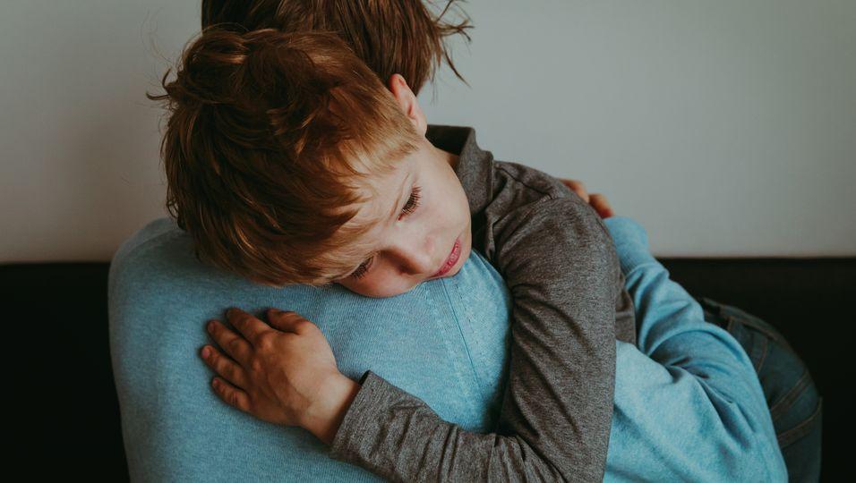 So gehen Eltern am besten mit den Ängsten ihrer Kinder um.