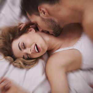 Paar beim lustvollen Sex