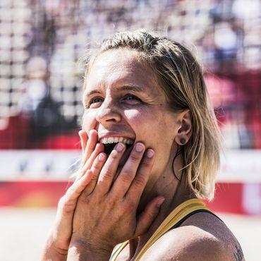 Bambi-Gewinnerin und Mutter: Beachvolleyballerin Laura Ludwig trägt die deutsche Fahne bei Olympia