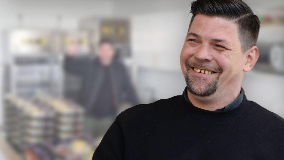 """Teamwork Deluxe"": Tim Mälzer bekocht Klinikpersonal"