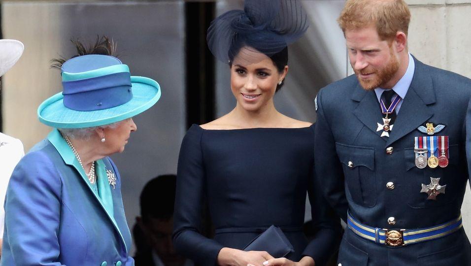 """Expertin sicher: Die Queen hat """"entwürdigenden"""" Plan für Harry und Meghan"""