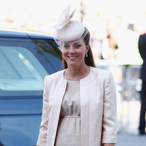 Für das 60. Thronjubiläum der Queen (87) wählte die Herzogin u.a. ein Ensemble von Jenny Packham aus. Hütchen: Jane Taylor