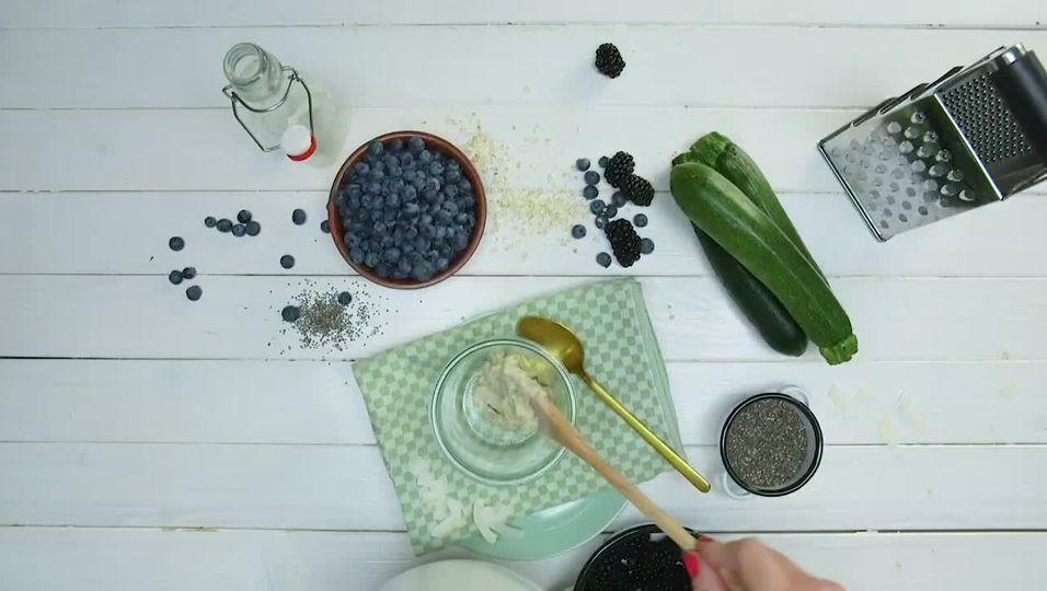 Zoats mit frischen Beeren