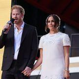 Herzogin Meghan und Prinz Harry setzen sich für bezahlte Elternzeit ein.