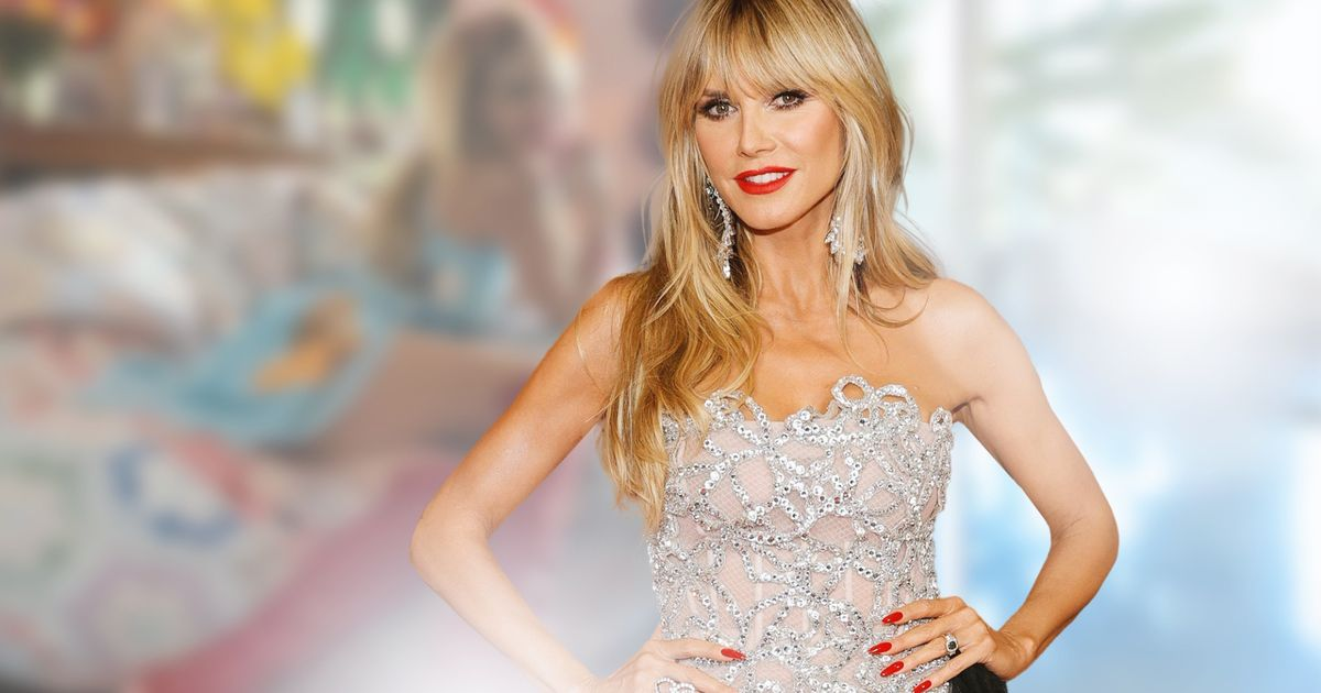 Heidi Klum: Mit Mini-Kleid & Mega-Heels schaut sie TV