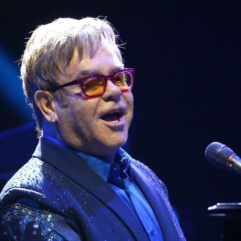 Elton John am Klavier