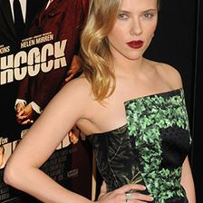 Stars mit Tattoos, Scarlett Johansson
