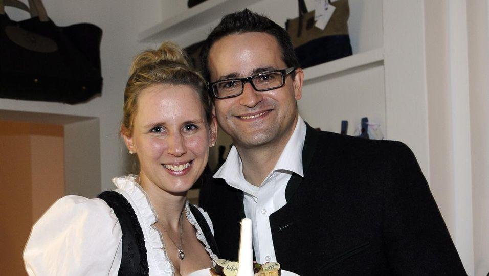 Karin und Patrick Hallinger mit ihren Schokoladenkreationen