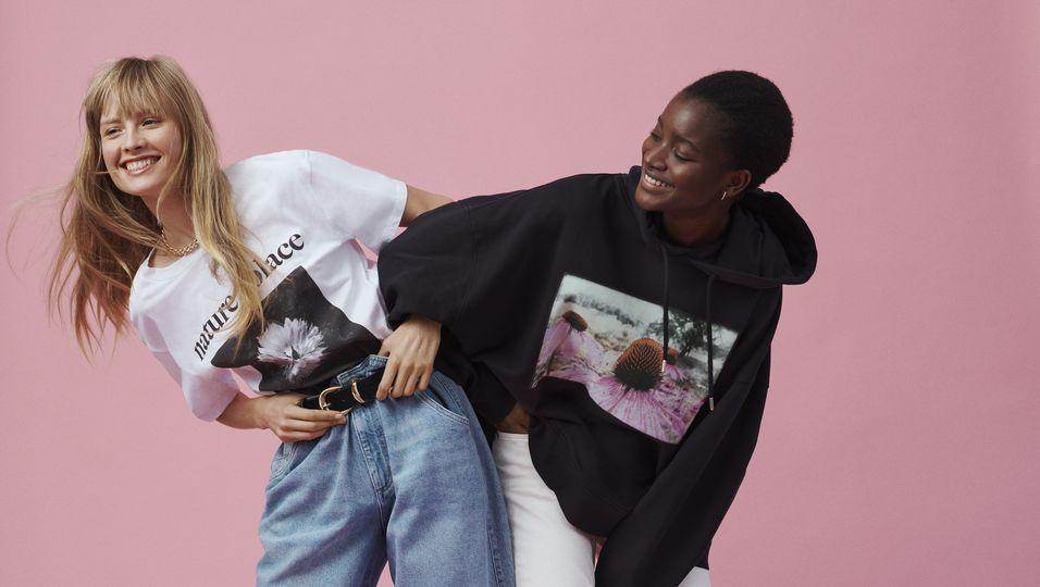 Im Online Shopping-Fieber: Diese Jeans-Teile schnappen wir uns jetzt bei H&M Primary tabs