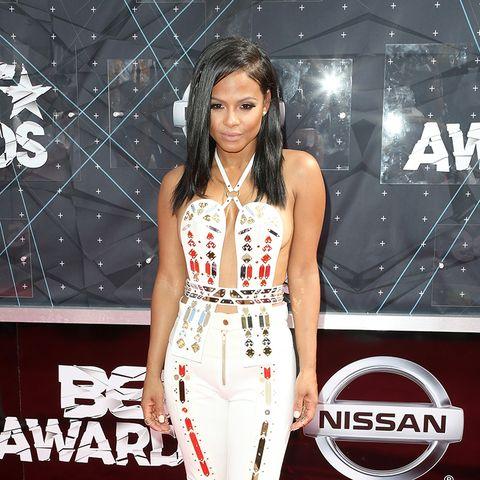 BET Awards - Christina Milian weißes Outfit, tiefer Ausschnitt
