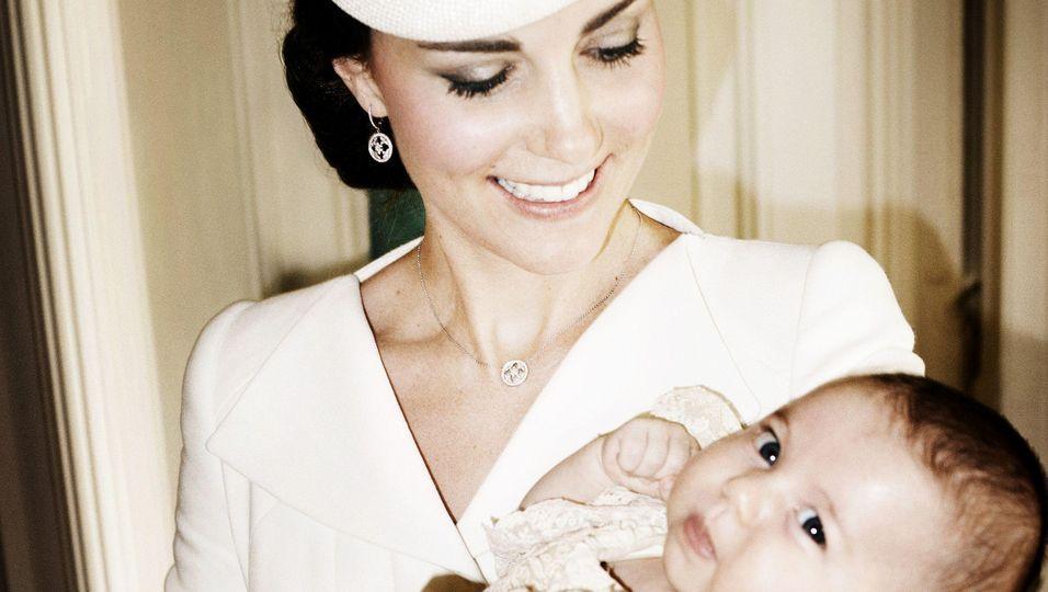 Prinzessin Charlotte, offizielle Tauffotos, Kate, William, George