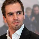 Philipp Lahm: Ausflug ins Stadion: Söhnchen Julian ist sein kleiner Doppelgänger