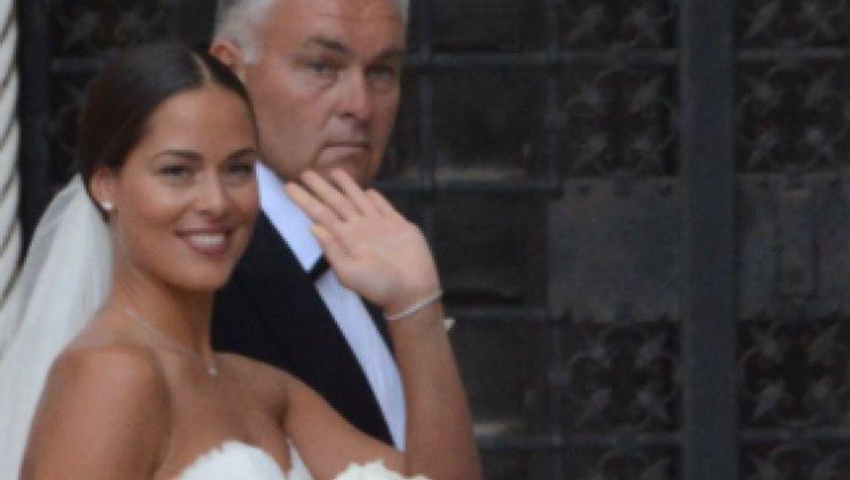 Ihr traumhaftes Brautkleid in seiner vollen Pracht