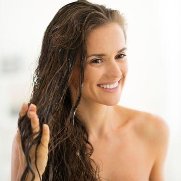Trocken, coloriert oder lockig: Das sind die richtigen Haarmasken für deinen Typ