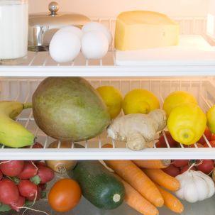 Trennkost-Lebensmittel im Kühlschrank getrennt
