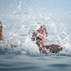 Mann rettet zwei Kinder aus dem Wasser – und ertrinkt