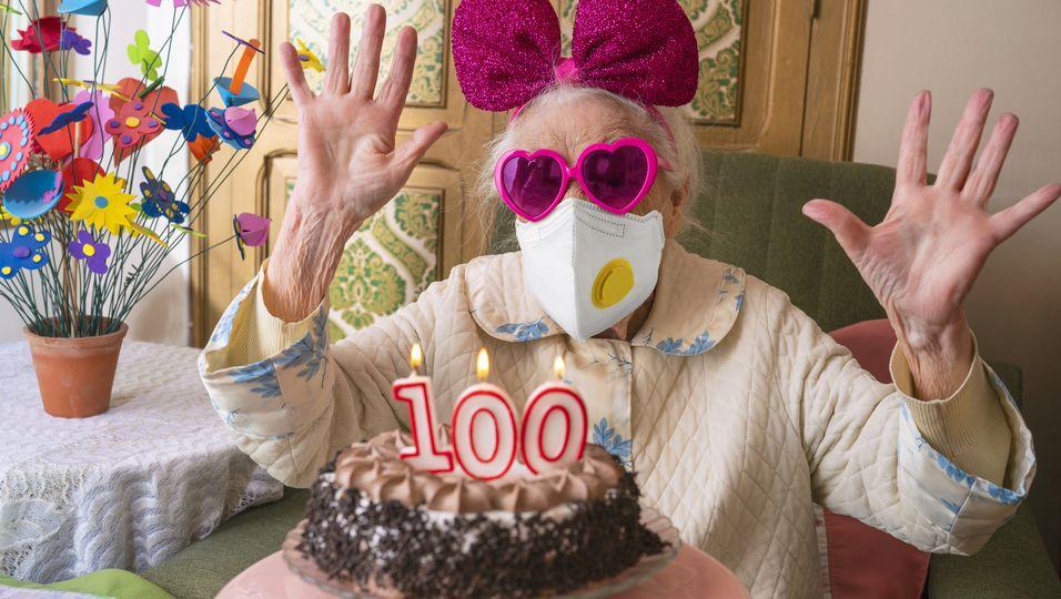 Krebsüberlebende besiegt Corona wenige Tage vor 100. Geburtstag