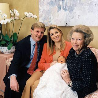 Willkommen Catharina-Amalia! Auch Oma Beatrix der Niederlande war sichtlich stolz auf die Mini-Prinzessin (3.310 g, 52 cm).