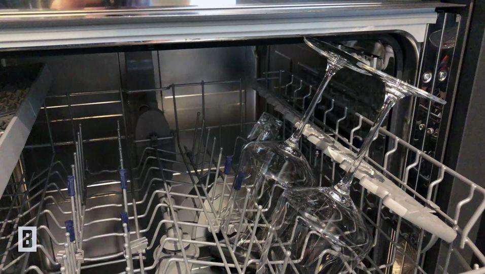 Versteckt in der Spülmaschine: Was tun, wenn Weingläser zu hoch sind