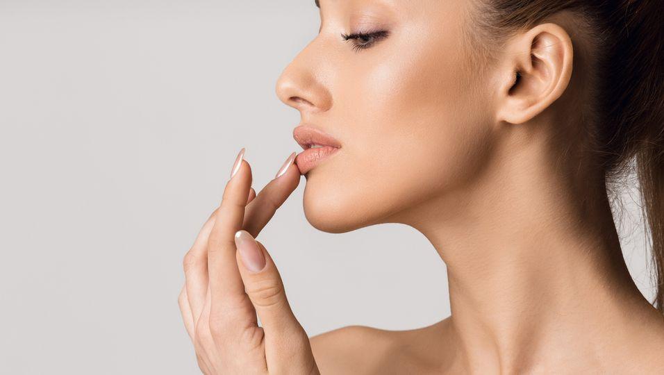 Frau mit schönen Lippen