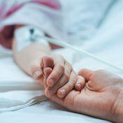 37-Jährige stirbt an Komplikationen ihrer Corona-Infektion – und hinterlässt acht Kinder