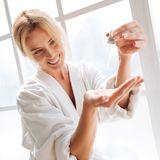 Mit diesem 20 €-Serum sparen wir uns teure Anti-Aging-Kosmetik