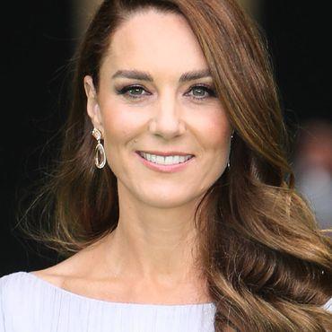 Herzogin Kate - Typveränderung? Erst das Make-up, jetzt die Frisur: Sie probiert etwas Neues aus!