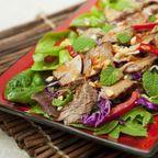 Paleo-Salat | Saftiger Rindfleischsalat mit Nüssen