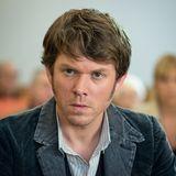 Steffen Schroeder als Tom Kowalski
