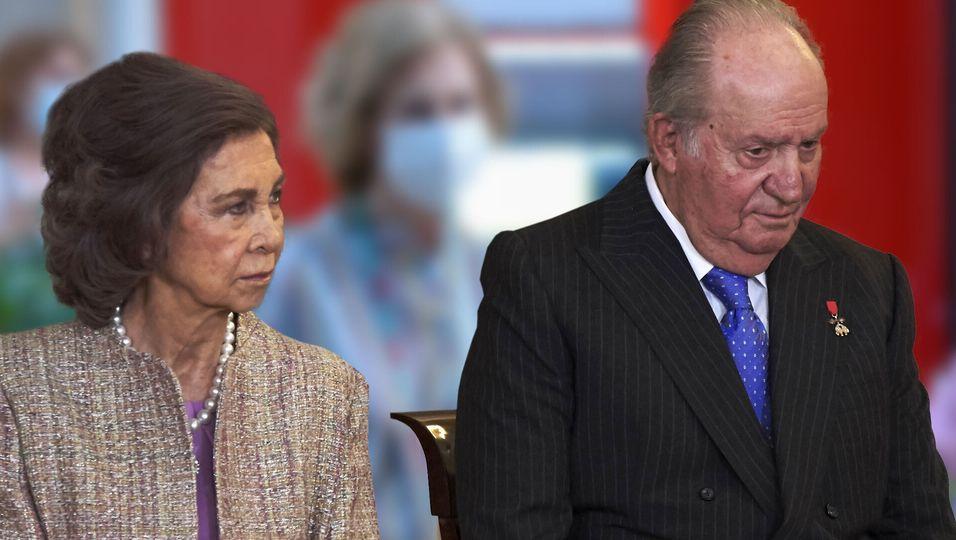 Juan Carlos im Exil: Ihre Miene sagt alles
