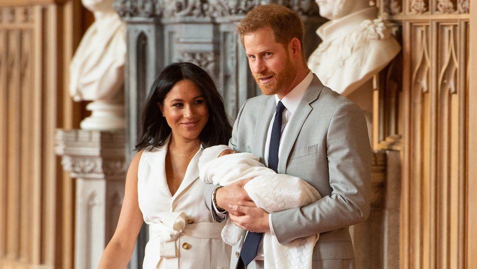 """Mit After-Babybauch & strahlend schön: """"Ich habe die zwei besten Jungs der Welt"""""""
